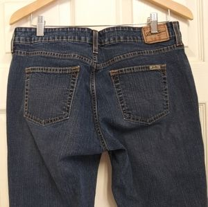 Levis Strauss Signature Stretch Low Rise Jeans